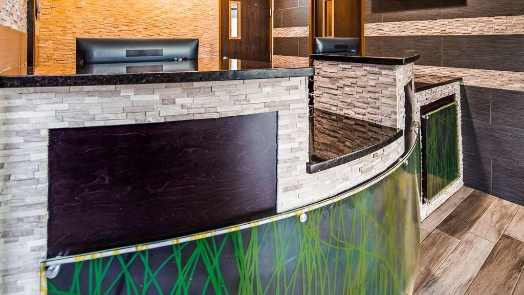 SureStay Plus Hotel by Best Western Kearney Liberty North - Vue du lobby