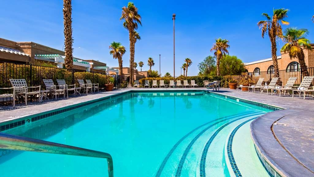 Best Western Gardens Hotel at Joshua Tree National Park - Vista de la piscina