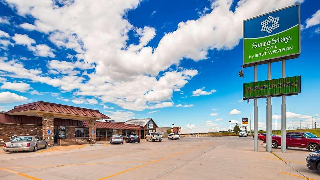 SureStay Hotel by Best Western McPherson - Vue extérieure
