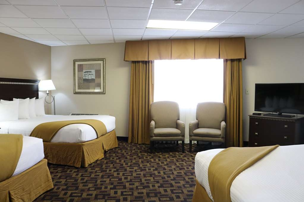 SureStay Hotel by Best Western McPherson - Suite