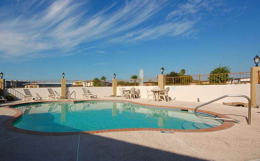 SureStay Hotel by Best Western Alice - Piscina