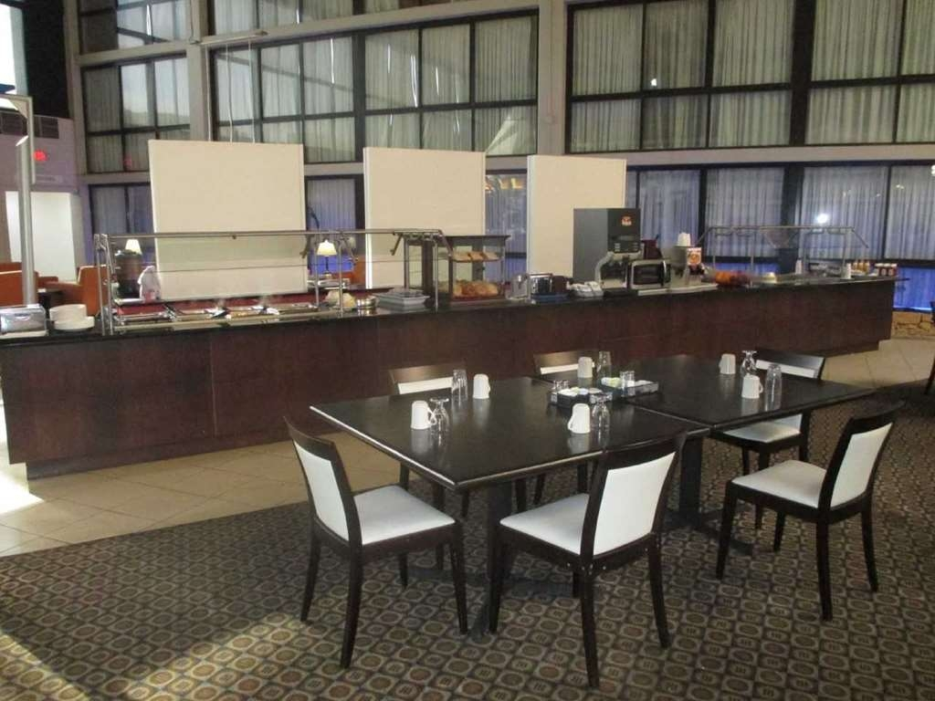SureStay Plus Hotel by Best Western Kansas City Northeast - Restaurant / Etablissement gastronomique