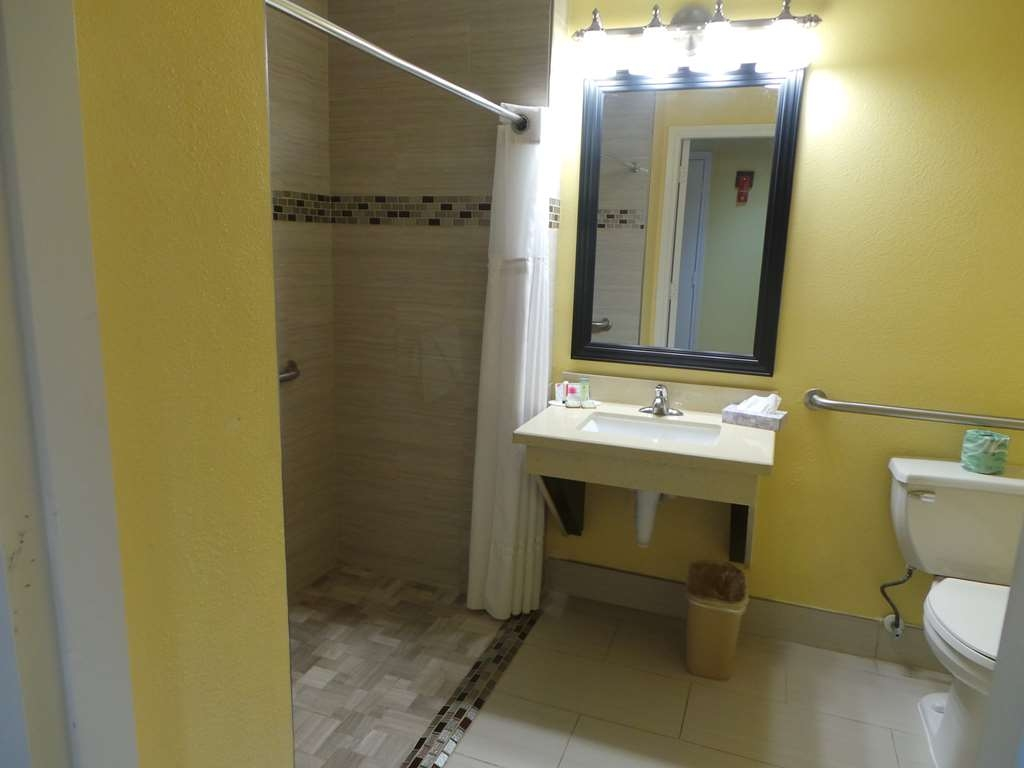 SureStay Plus Hotel by Best Western Alvin - Mobility Accessible Room Roll-In Shower