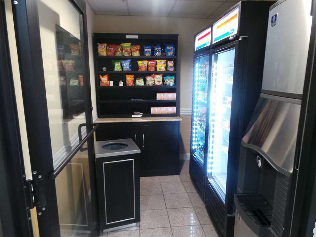 SureStay Plus Hotel by Best Western Alvin - Sundry and Ice Maker Area