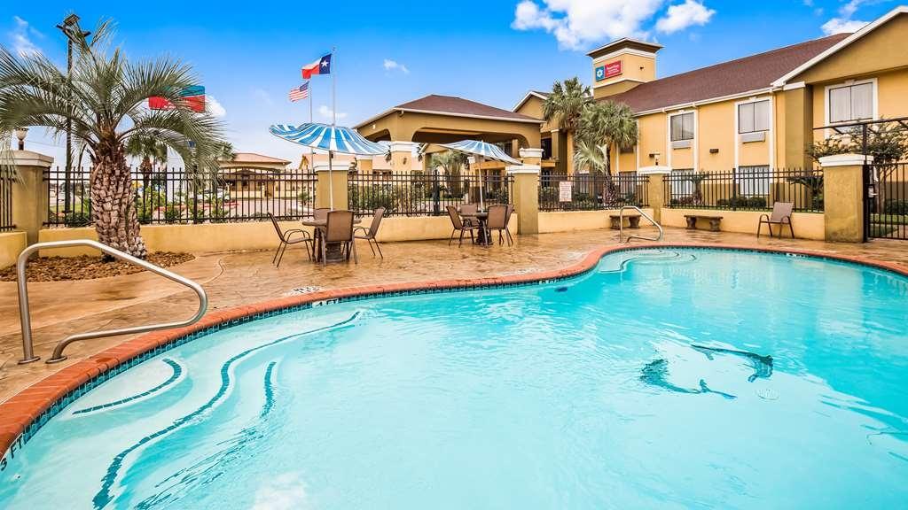 SureStay Plus Hotel by Best Western Alvin - Piscina