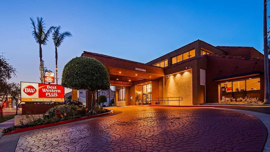 Best Western Plus Redondo Beach Inn - Exterior Twilight