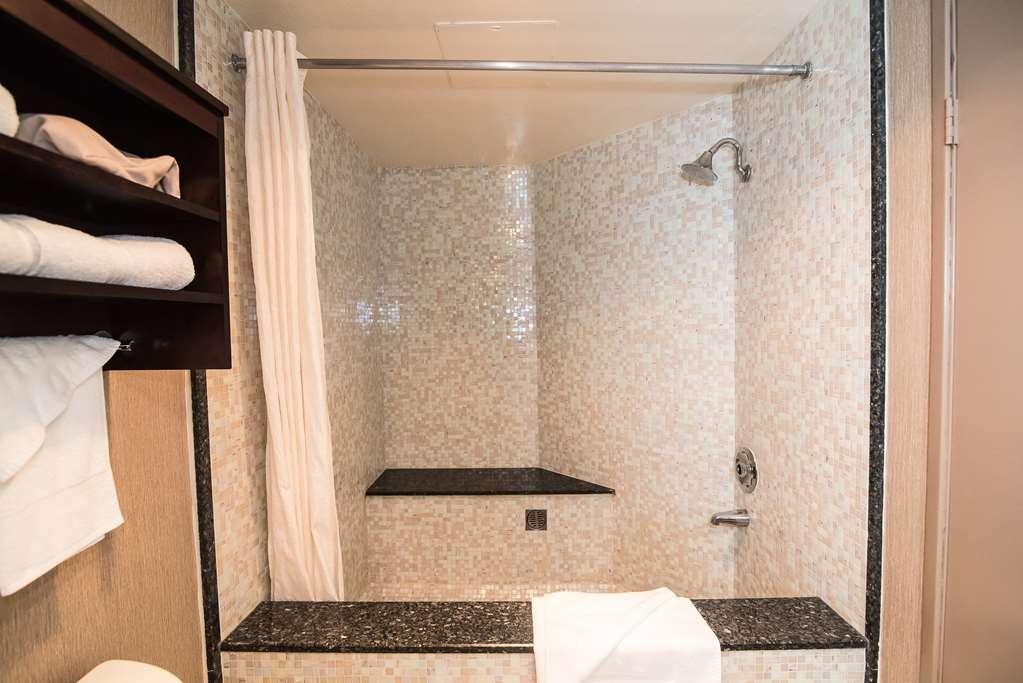 Best Western Plus Redondo Beach Inn - King with Roman Tub