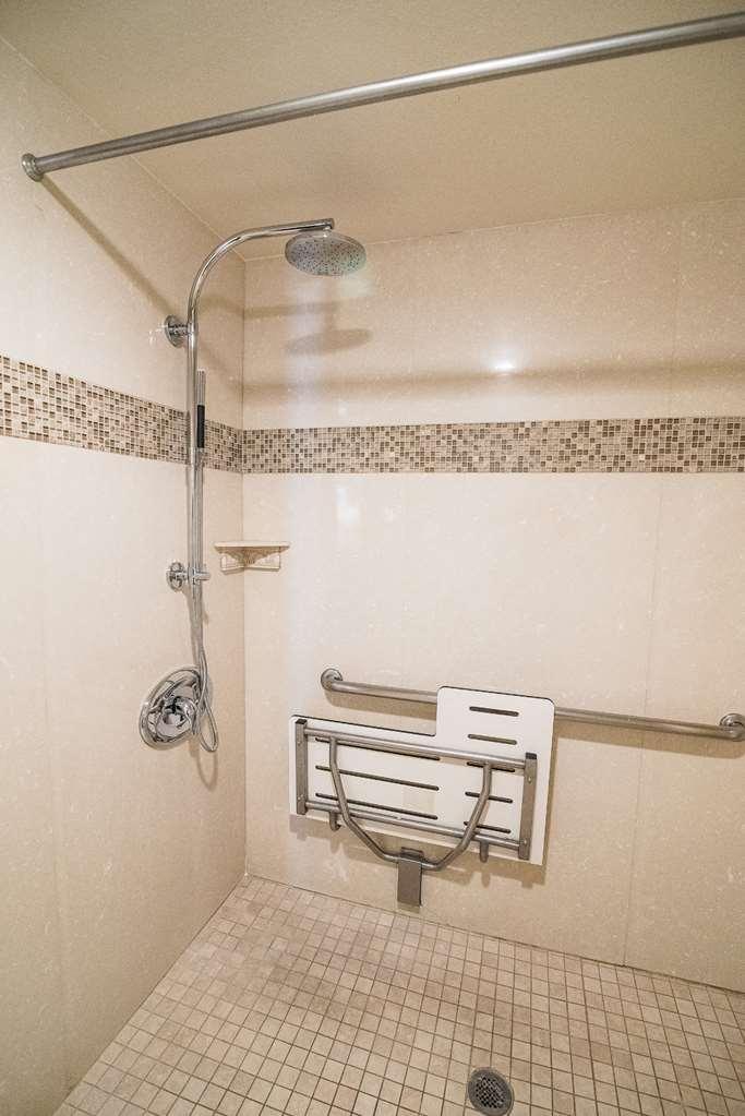 Best Western Plus Redondo Beach Inn - King with Roll In Shower