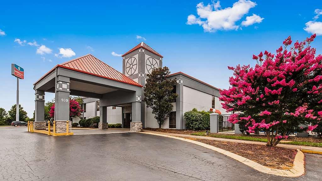 SureStay Plus Hotel by Best Western Nashville Southeast - Façade