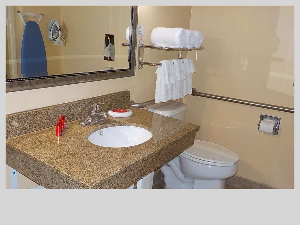 SureStay Plus Hotel by Best Western Nashville Southeast - Mobility Accessible Guest Bathroom