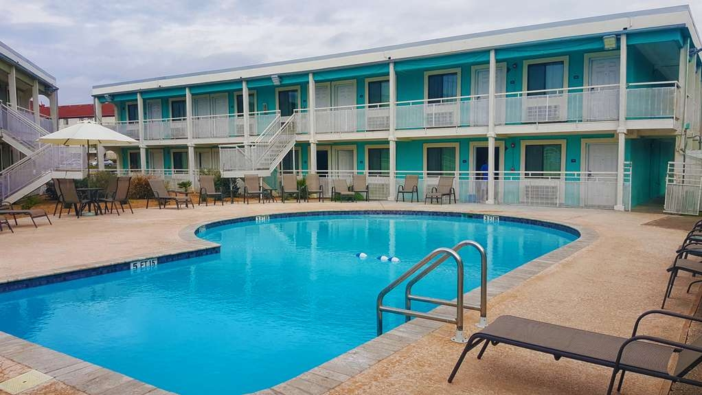 SureStay Hotel by Best Western Laredo - Enjoy and relax in our large, newly finished outdoor pool.
