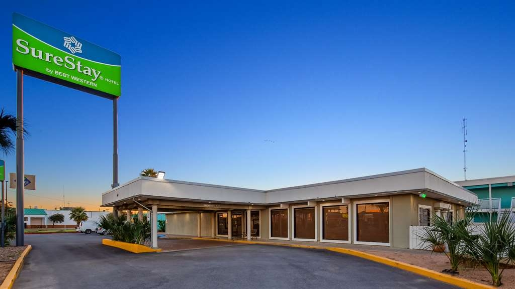 SureStay Hotel by Best Western Laredo - Experience the meaning of true comfort at the SureStay Hotel by Best Western Laredo.