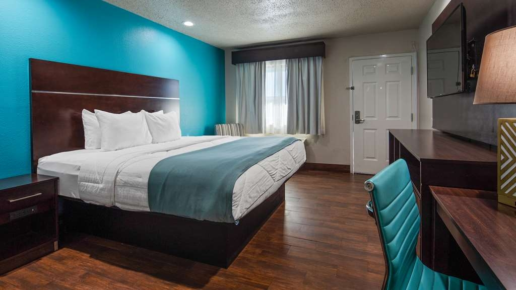 SureStay Hotel by Best Western Laredo - Your comfort is our first priority. In our king room, you will find that and much more.