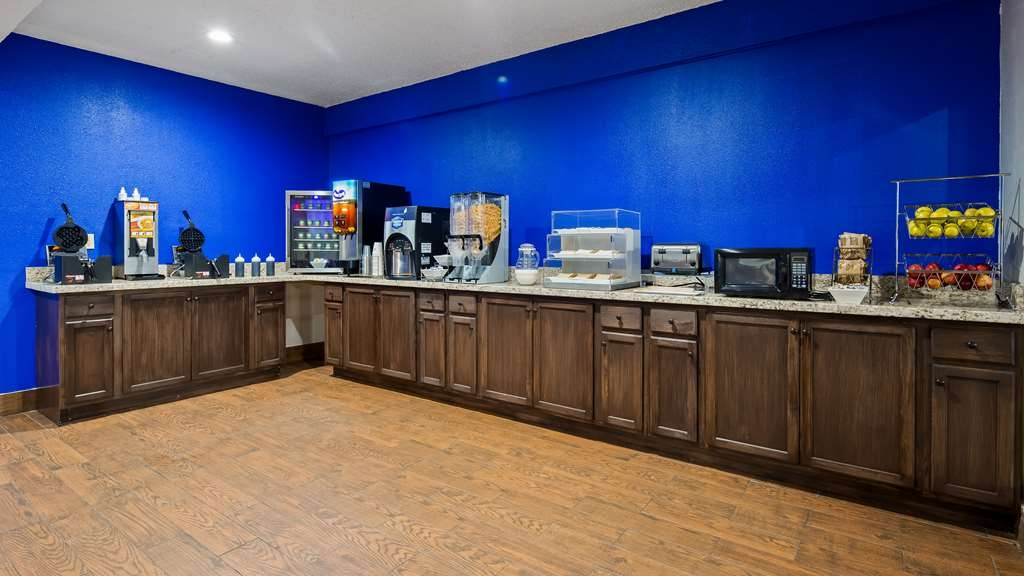 SureStay Hotel by Best Western Laredo - Every day we offer a variety of breakfast items including waffles, fruit, coffee and juice.