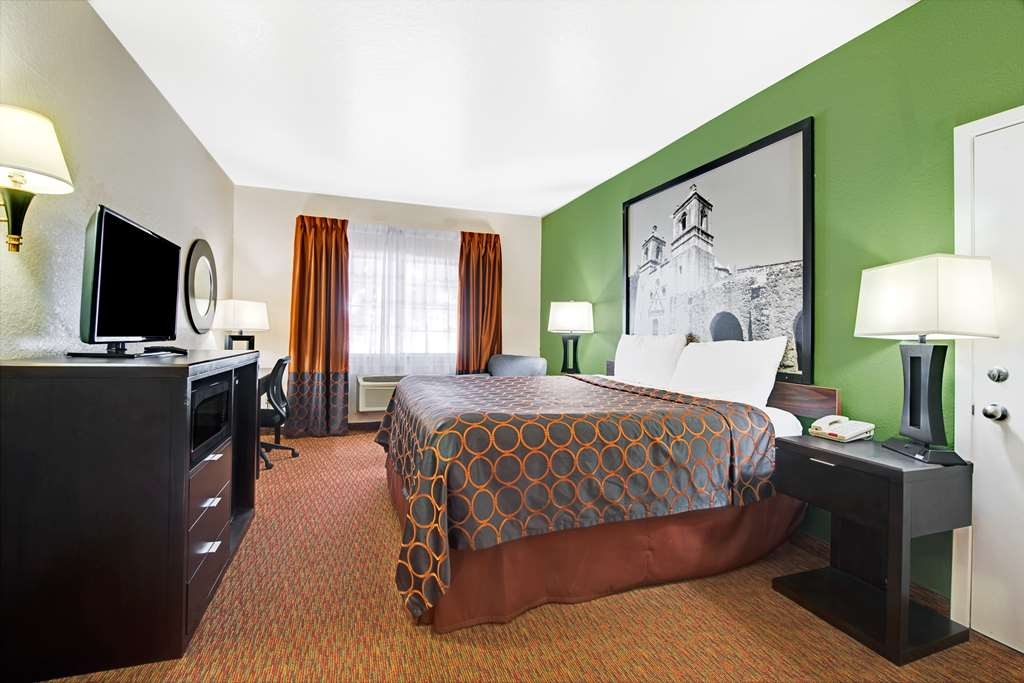 SureStay Plus Hotel by Best Western San Antonio Airport - Sink into our comfortable beds each night and wake up feeling completely refreshed.