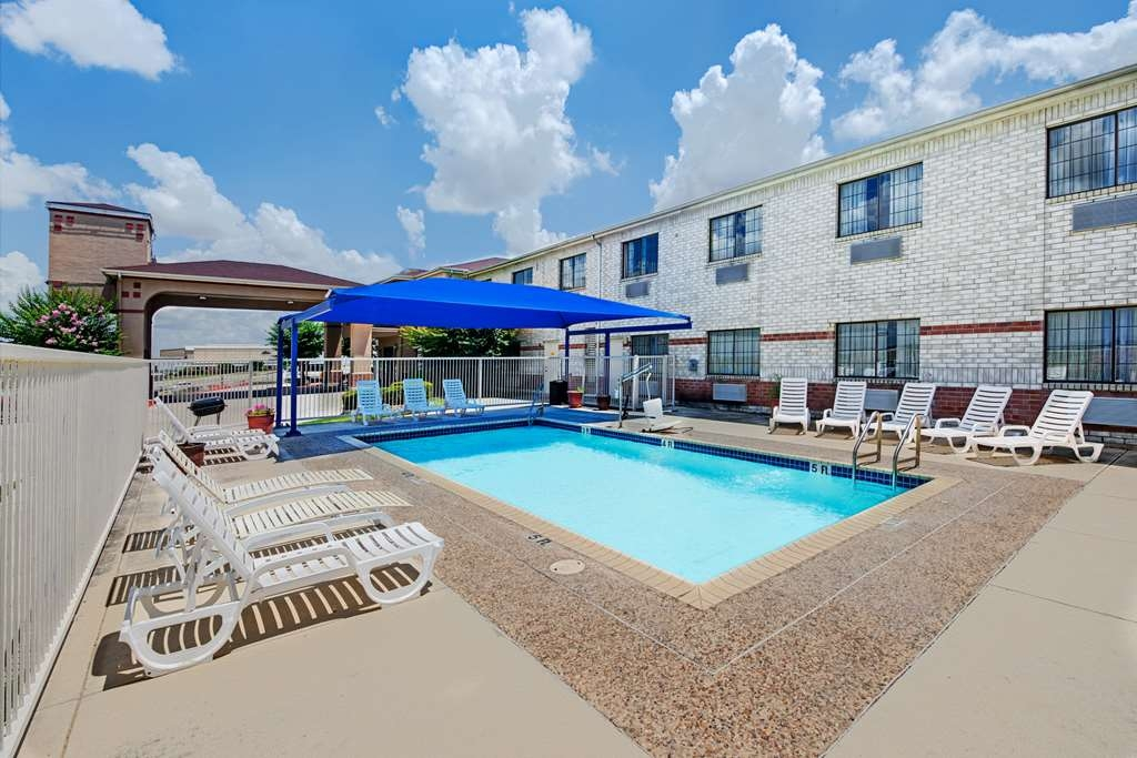 SureStay Plus Hotel by Best Western San Antonio Airport - Vista de la piscina