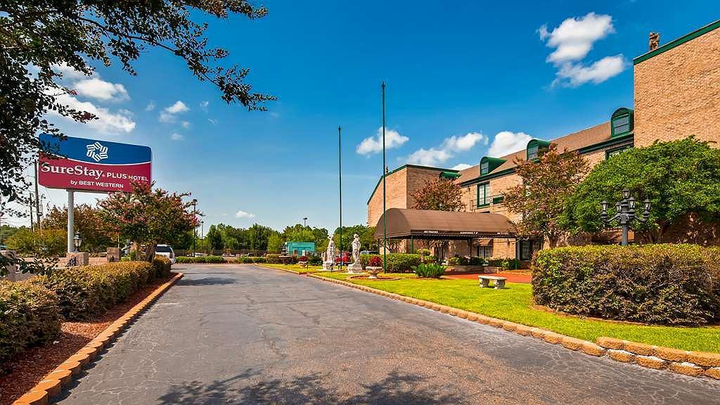 SureStay Plus Hotel by Best Western Baton Rouge - Vista exterior
