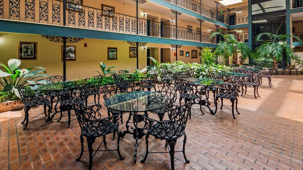 SureStay Plus Hotel by Best Western Baton Rouge - Restaurant / Gastronomie