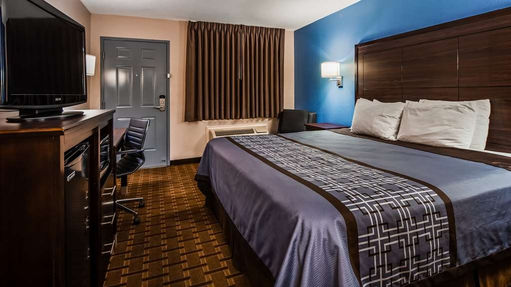 SureStay Hotel by Best Western Terrell - If your looking for a king standard or mobility accessible king room we've got you covered.