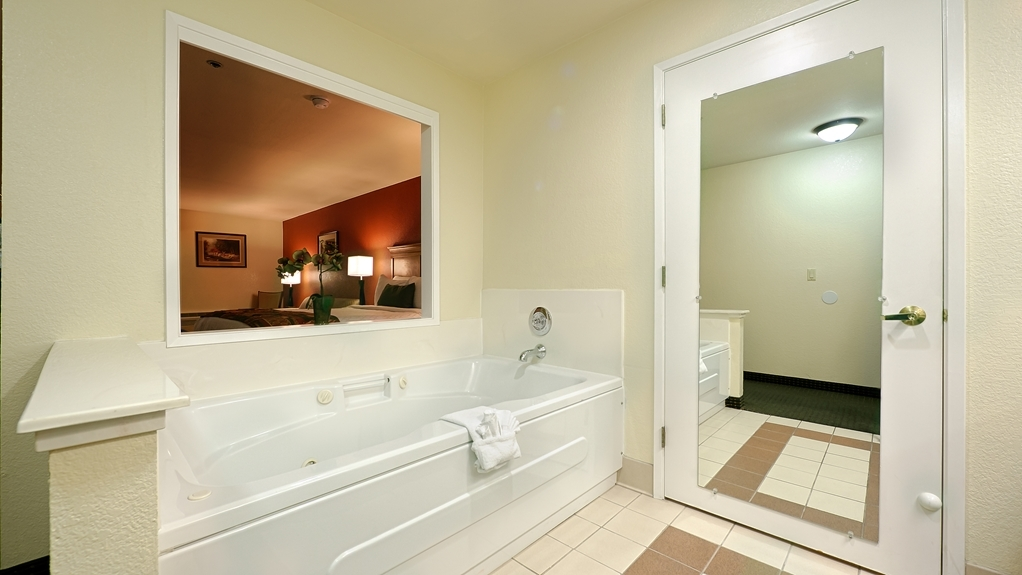Best Western Plus Sonora Oaks Hotel & Conference Center - We take pride in making everything spotless for your arrival.