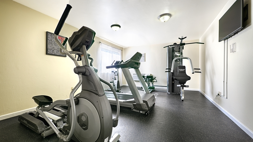 Best Western Plus Sonora Oaks Hotel & Conference Center - Our fitness center allows you to keep up with your home routine even when you're not at home.
