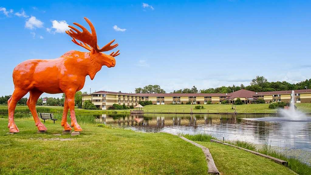 SureStay Plus Hotel by Best Western Black River Falls - Vista exterior