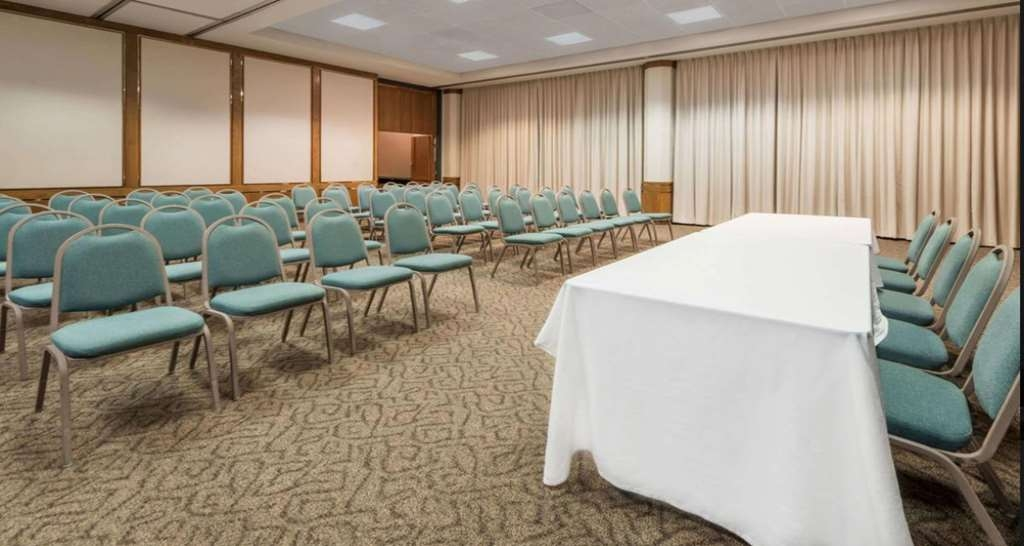 SureStay Plus Hotel by Best Western Lubbock Medical Center - Need to schedule a meeting for business? We have space available for you and your clients.