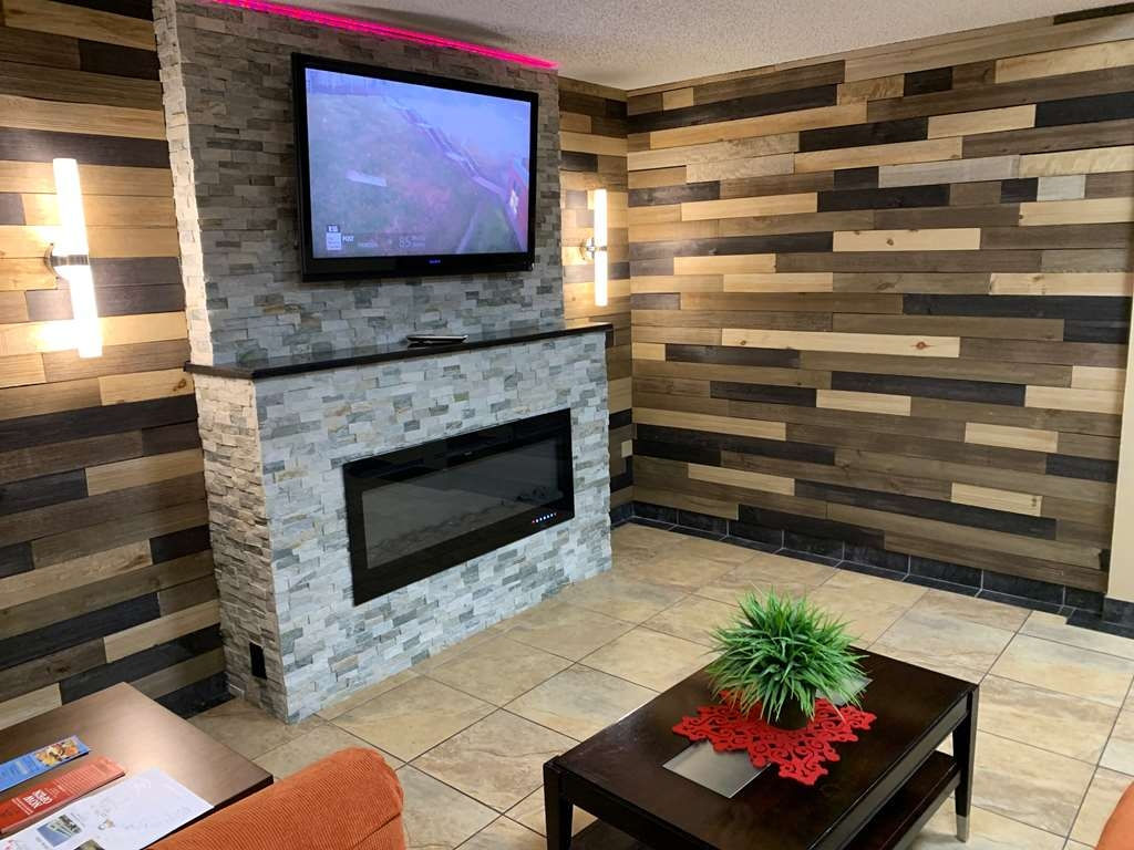 SureStay Plus Hotel by Best Western Lubbock Medical Center - Hall