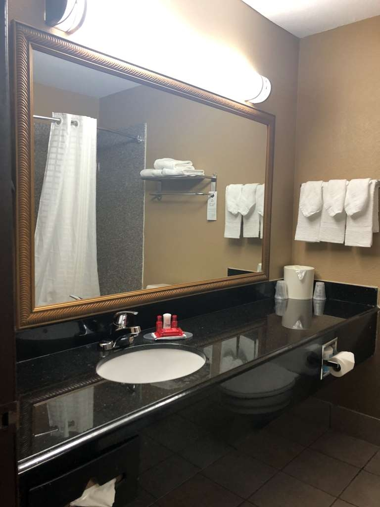 SureStay Plus Hotel by Best Western Oklahoma City North - Chambres / Logements