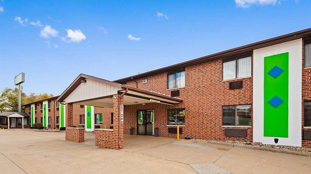 SureStay Hotel by Best Western Cedar Rapids - Vista exterior