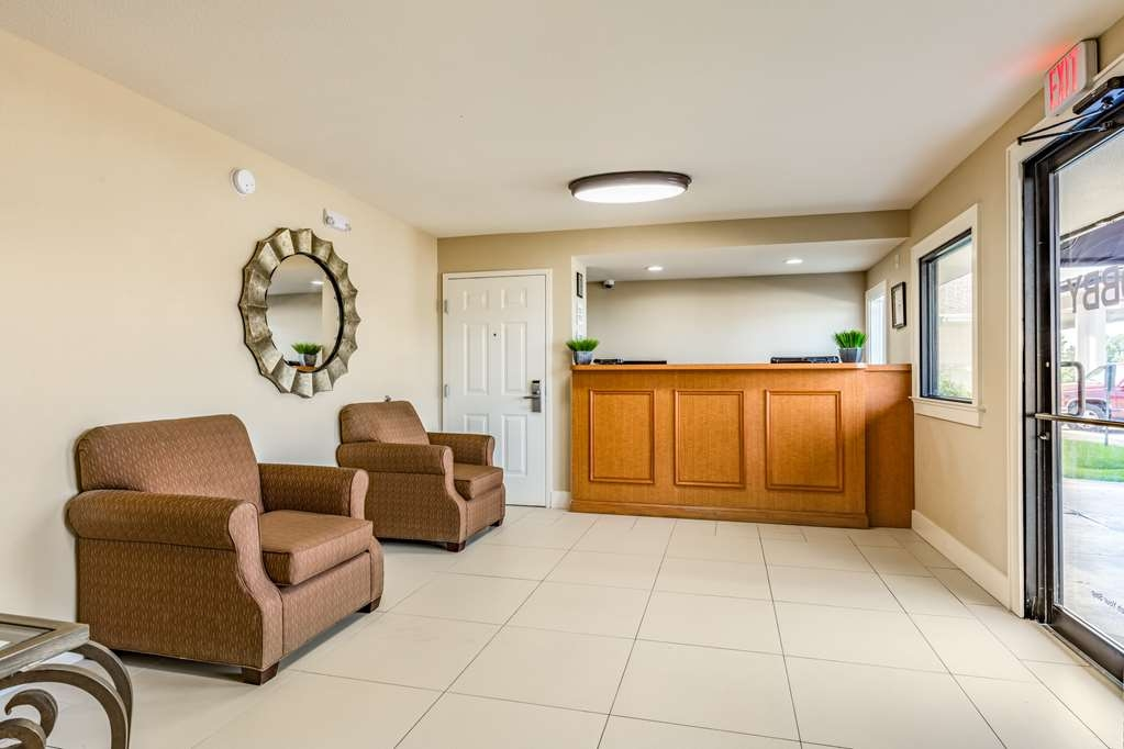SureStay Hotel by Best Western Tupelo North - Hall