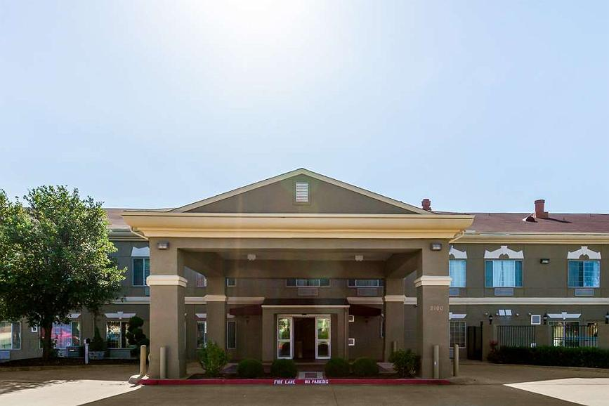 SureStay Plus Hotel by Best Western Mesquite - Façade