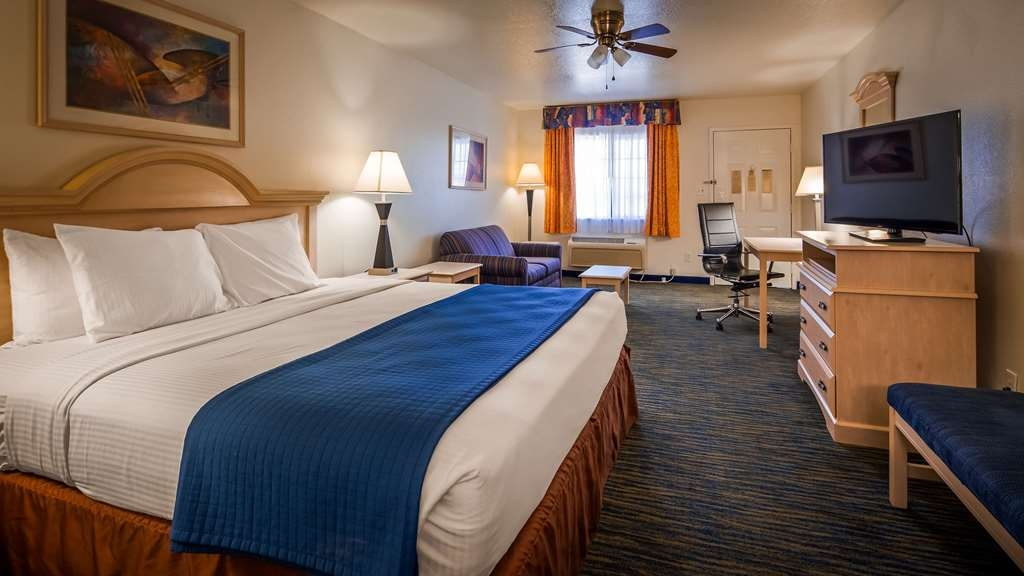 SureStay Hotel by Best Western Falfurrias - Guest Room with One King Size Bed