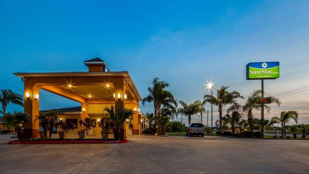 SureStay Hotel by Best Western Falfurrias - Façade