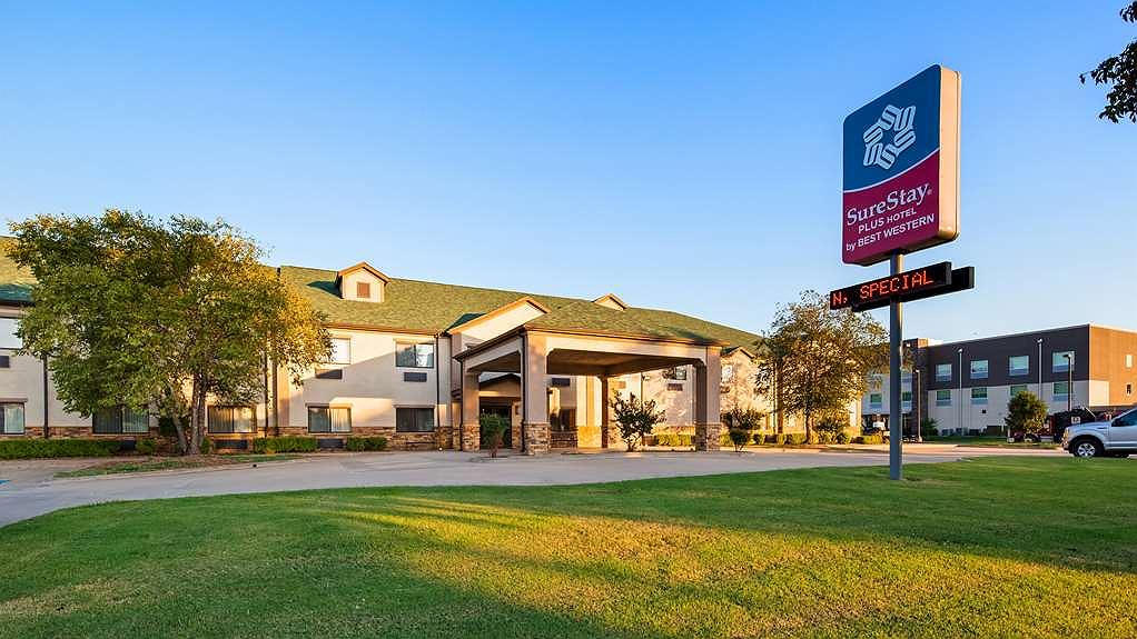 SureStay Plus Hotel by Best Western Coffeyville - Vista exterior