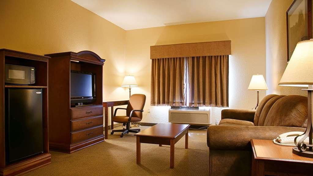 SureStay Plus Hotel by Best Western Coffeyville - Suite