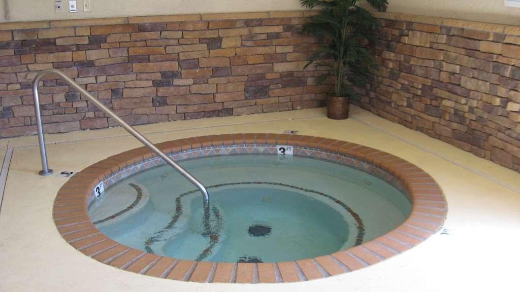 SureStay Plus Hotel by Best Western Coffeyville - Spa