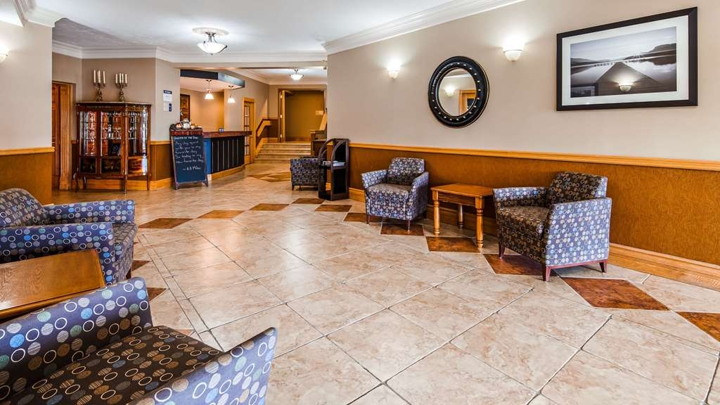 SureStay Plus Hotel by Best Western Kincardine - Hall