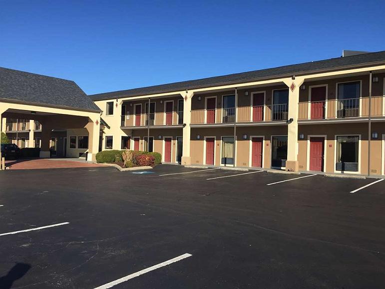 SureStay Plus Hotel by Best Western Jackson - Vista exterior