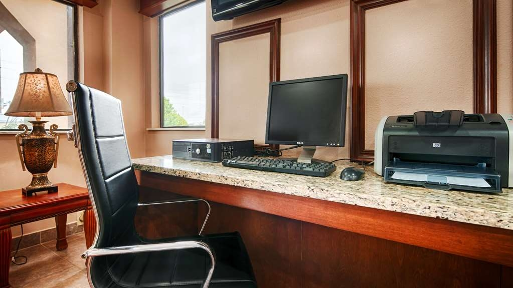 SureStay Plus Hotel by Best Western Jackson - centro de negocios-característica