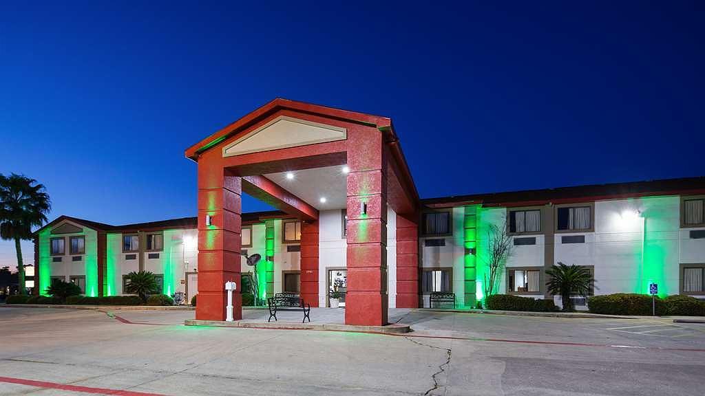 SureStay Hotel by Best Western Orange - Area esterna