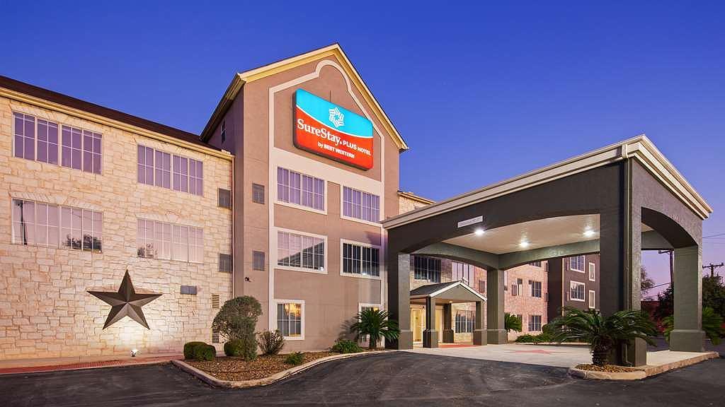 SureStay Plus by Best Western San Antonio Fort Sam Houston - Vista exterior
