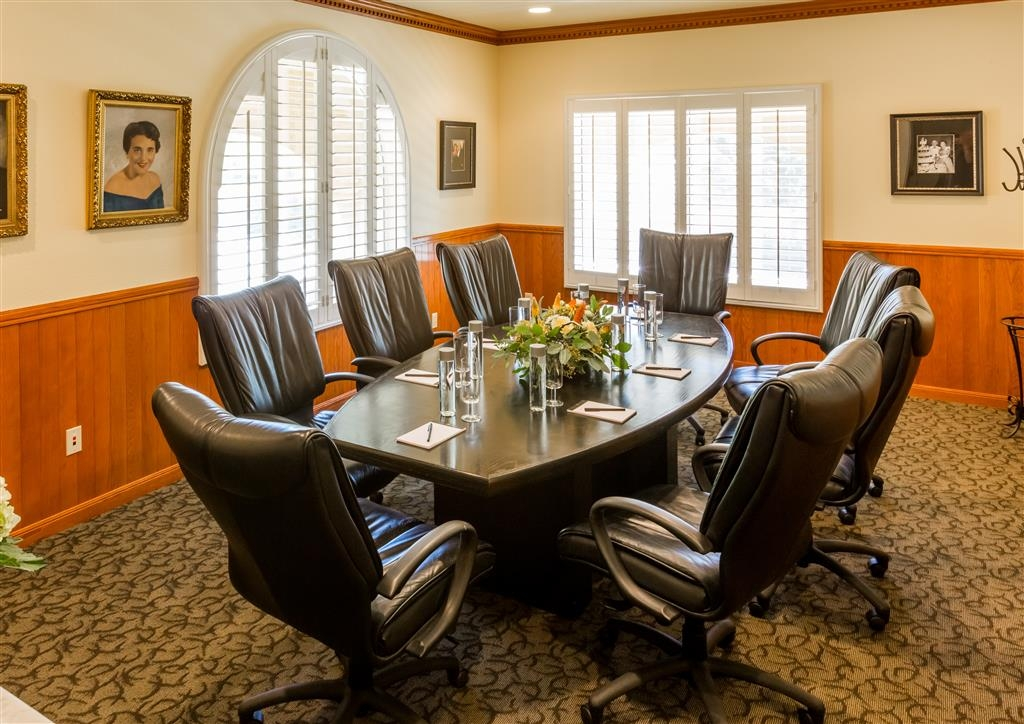 Best Western Dry Creek Inn - Our Theresa Krug boardroom offers the perfect place to exchange business ideas or strategies.