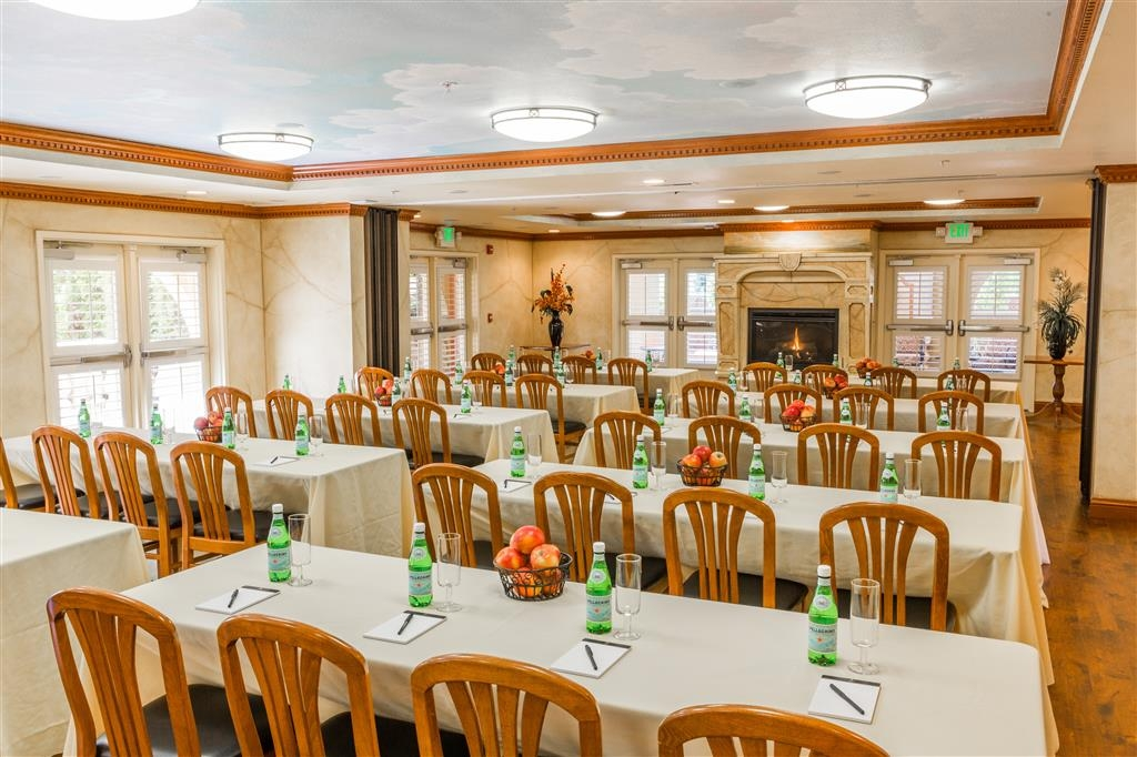 Best Western Dry Creek Inn - Our versatile Krug Event Center is the perfect spot for your next gathering.