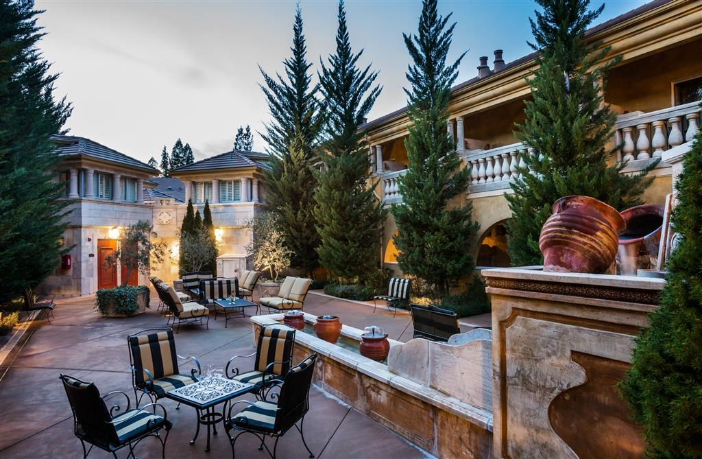 Best Western Dry Creek Inn - Experience the meaning of true comfort at the Villa Toscana Piazza!