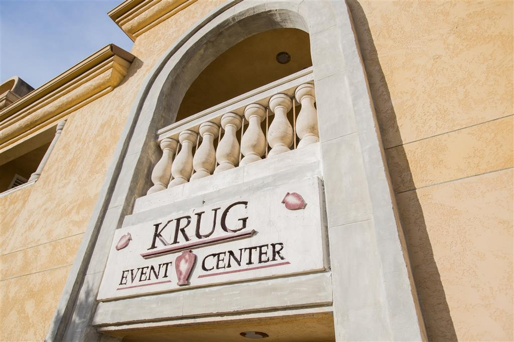 Best Western Dry Creek Inn - Allow our professional staff to take care of you and your party in our Krug Event Center.