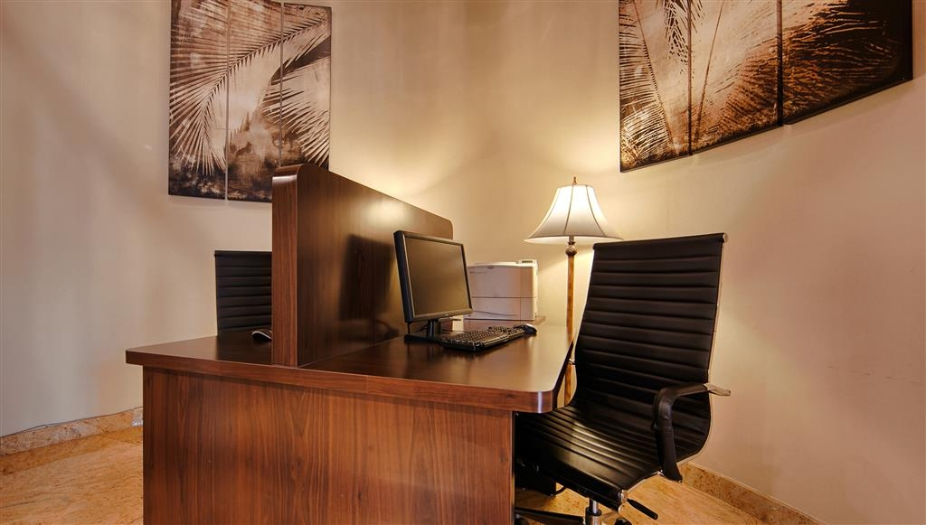 Best Western Plus Newport Mesa Inn - Feel free to check your email in our business center.