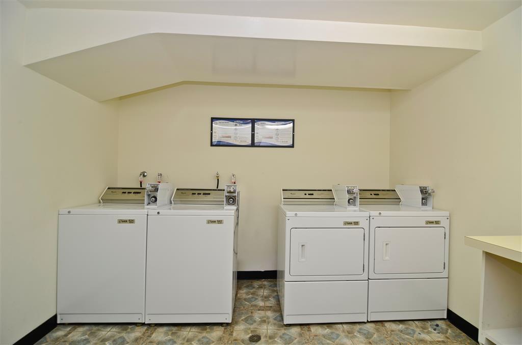Best Western Plus Newport Mesa Inn - Guest Laundry Room