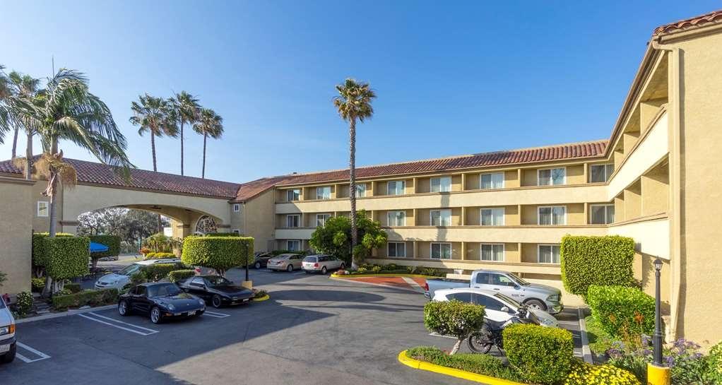 Best Western Plus Newport Mesa Inn - Vestíbulo del hotel