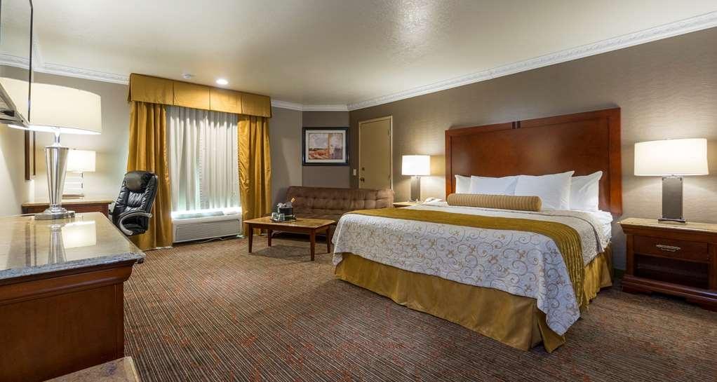 Best Western Plus Newport Mesa Inn - Guest Room